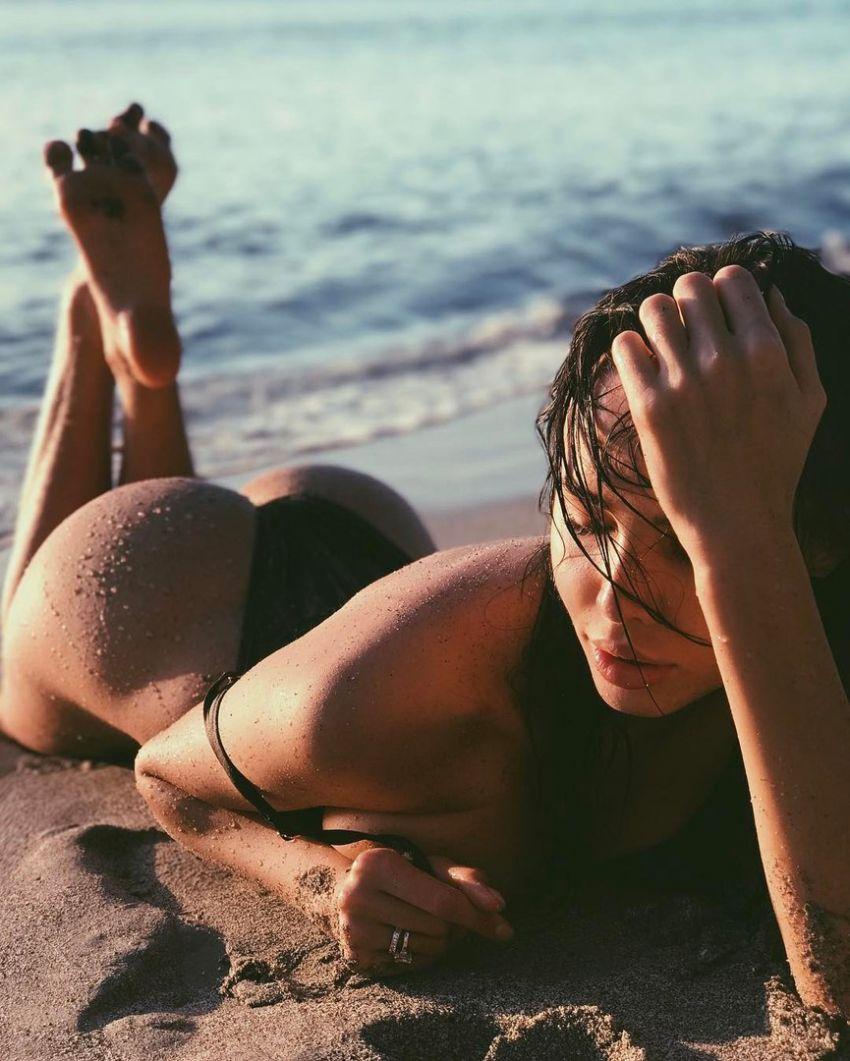 Голые девки на пляжах петербурга все