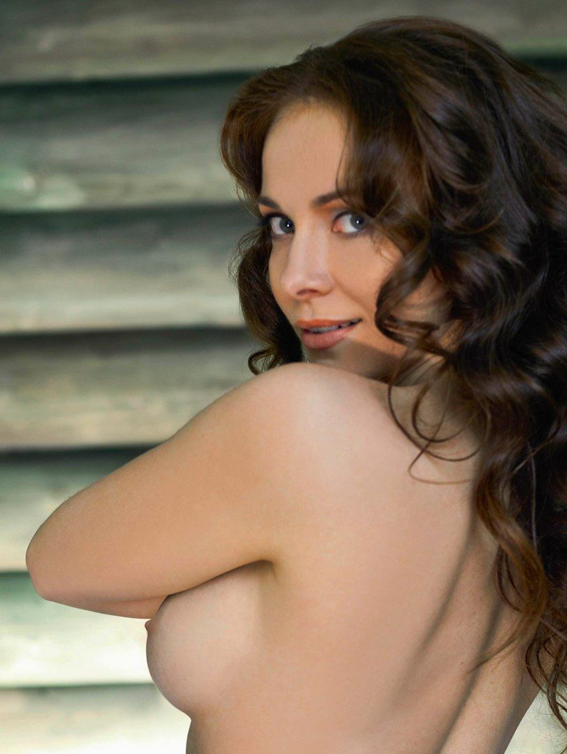 Обнаженная Грудь Российских Актрис Фото