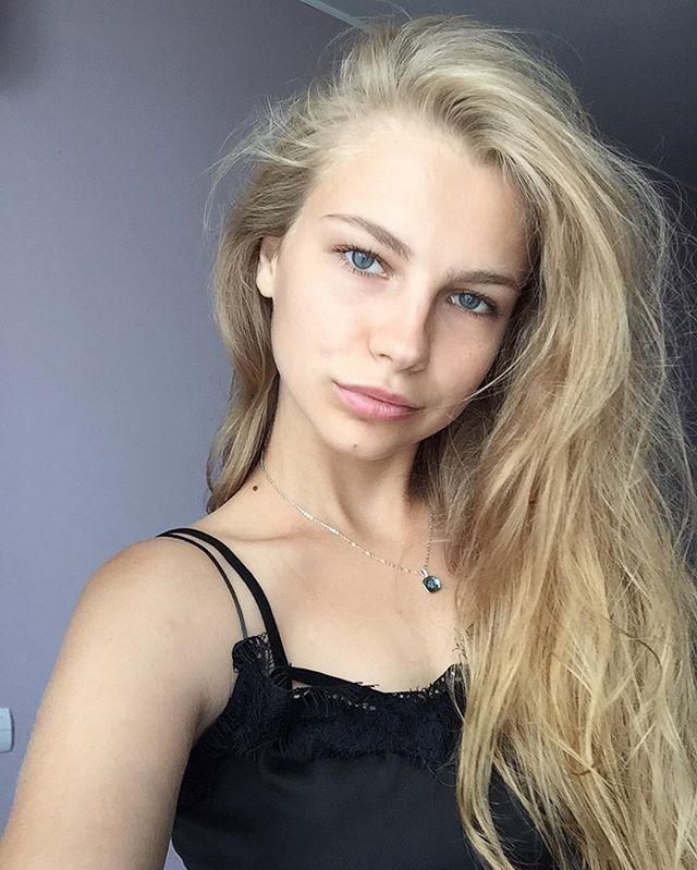 Голая Анастасия Панина Таня из Физрука на эротических фото